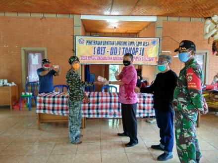 Penyerahan Bantuan  Langsung Tunai (BLT-DD) Desa Gitgit Tahap II