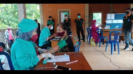 Pelaksanaan Vaksinisasi Dosis 2 Astra Zeneca  Desa Gitgit